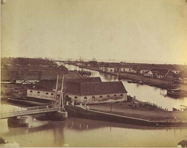 batavia-harbour-canal