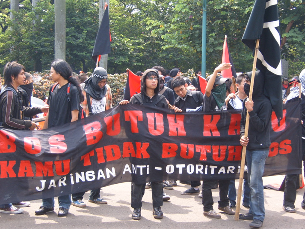 protest_march_in_jakarta_indonesia_-_20070501