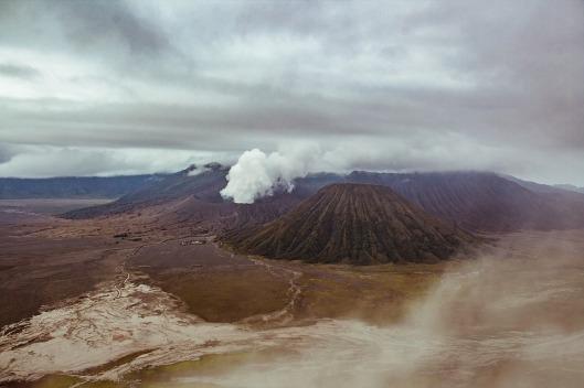 volcano-2057985_960_720